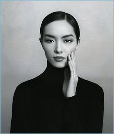 Fe Fei Sun looking so beautifully simple with smokey eyes, I think everyone should embrace monolids!  #feifeisun #chanel #monolids