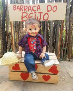 Puppy Valentines, Foto Baby, Baby Center, Foto Pose, Toy Chest, Puppies, Photoshoot, Lettering, Creative
