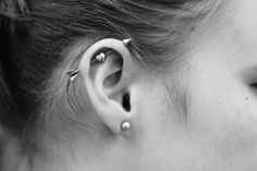 17 ideas for piercing transversal tragus Bellybutton Piercings, Dermal Piercing, Piercing Tattoo, Heart Piercing, Body Piercings, Tragus Jewelry, Conch Earring, Piercing Industrial Oreja, Pircing Industrial