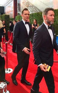 Tom Hiddleston attends the 68th Annual Primetime #Emmy Awards at Microsoft Theater, September 18. #TheNightManager https://twitter.com/Hiddles_Page/status/777664482180861952