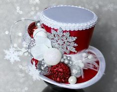 Red Christmas Mini Hat Holiday Party Hat White and Red Mini Top Hat New Years Eve Mini Hat Snow Mini Top Hat Christmas Decoration Christmas Tops, Christmas Minis, Christmas Projects, Christmas Wreaths, Christmas Ornaments, Simple Christmas, Christmas Nails, Christmas Centerpieces, Christmas Decorations
