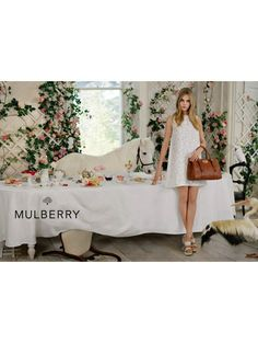 Mulberry s/s 2014 - Zien! Zomercampagnes 2014#Mulberry #caradelevingne #campaign #fashion #mode #model #photography #ELLE