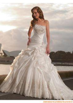 Schönes Prinzessin Brautkleider aus Satin Ballkleid mit langer Schleppe 2013