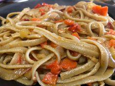 Linguini con verduras.  #recetas #recetascaseras #comersano #comerfacil #pasta #verduras Lidl, Pasta, Spaghetti, Ethnic Recipes, Food, Vegetables, Dishes, Recipes, Homemade Recipe