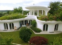 """A beautiful, harmonious marriage of architecture and nature or """"biotecture"""".Another Earthship. A beautiful, harmonious marriage of architecture and nature or """"biotecture"""". Natural Building, Green Building, Building A House, Building Plans, Building Design, Building Homes, Building Ideas, Amazing Architecture, Architecture Design"""