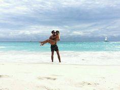 Tener tu luna de miel en el Caribe es un recuerdo hermoso que te acompañará la vida entera...   Esta pareja está disfrutando por completo de #Bayahíbe. . Gracias @mrs.nicky___ por compartir su momento de amor con nosotros. . #FelicesVacaciones #Vacaciones #RepúblicaDominicana #Viajar #Turismo #Playa #Caribe #América #Centroamérica #FotoDelDía #Hermosa #Vida #LaVidaEsBuena #Placer #Energía #Relax #Felicidad #Viajes #Recuerdos #Amor #Paradisíaco #Amigos #SolYPlaya #Feliz #Diversión #Descanso…
