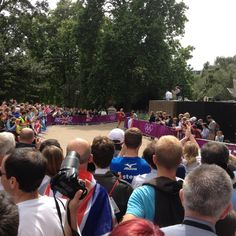 7th August. Hyde Park Triathlon. Spectators watch the 10km run. Swiss Athlete pictured.