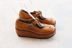 vintage 70s Platform Shoes  1970s T Strap Maryjane by jessamity Women's vintage fashion footwear mary jane pumps