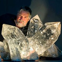 Quartz crystals discovered in Swiss Alps by Franz von Arx and Elio Muller on Planggenstock in Göscheneralp. Minerals And Gemstones, Rocks And Minerals, Natural Crystals, Stones And Crystals, Gem Stones, Chakra Crystals, Crystal Aesthetic, Beautiful Rocks, Rock Collection