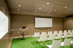 If you are looking for computer training rooms for rental at Houston, you are at best place.