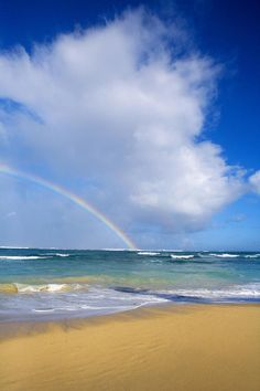✮ Hawaii, Maui - Rainbow at Baldwin Beach--the hawaiians say if you see a rainbow, its your soul