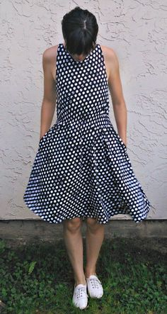 FREE SEWING PATTERN: Barbara Dress pattern: Get access to an easy printable PDF sewing pattern for beginners. Ideal for women sizes 4 to 22.