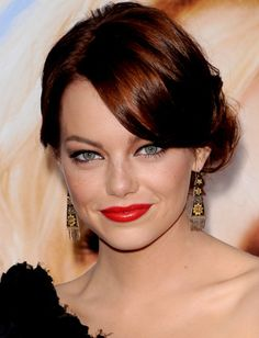 Emma Stone A perfect chignon in 4 easy steps Hair Colors For Blue Eyes, Fall Hair Colors, Hair Color For Black Hair, Red Hair, Brown Hair, Side Chignon, Easy Chignon, Chignon Updo, Emma Stone Hair