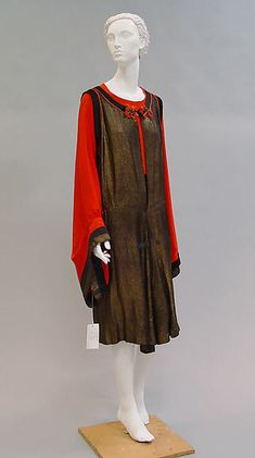Ensemble (image 1) | House of Poiret | French | 1922 | silk | Metropolitan Museum of Art | Accession Number: 1995.588.3a, b