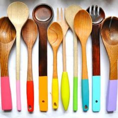 Colorful Cooking Spoon Makeover {Kitchen Accessories}