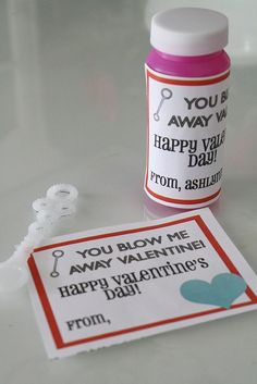 Cute class Valentine idea, bubbles and a FREE printable label to download - on 3 Four and Under!