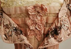 Callot Soeurs Negligée - detail - - by Callot Soeurs (French, active - Silk - The Metropolitan Museum of Art - Mlle Historical Costume, Historical Clothing, Antique Lace, Vintage Lace, Edwardian Fashion, Vintage Fashion, 1900s Fashion, Kitsch, Paisley