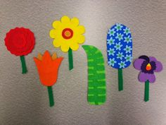 Library Village: Flannel Friday - Planting a Rainbow Flannel Board Stories, Felt Board Stories, Felt Stories, Flannel Boards, Projects For Kids, Crafts For Kids, Arts And Crafts, Planting A Rainbow, March Themes