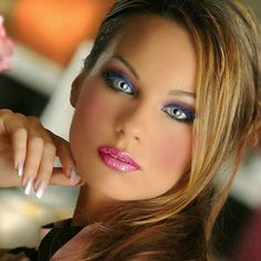 Not Blue but very pretty eyes Most Beautiful Eyes, Stunning Eyes, Gorgeous Eyes, Pretty Eyes, Beautiful Women, Beauté Blonde, Woman Face, Beauty Women, Hair Beauty
