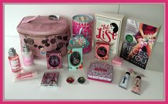 Suze likes, loves, finds and dreams: Giveaway: An Explosion Of Pink - Lush, L'Occitane,...