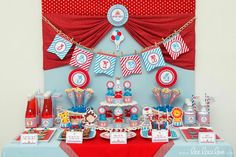 Hostess with the Mostess® - Circus Birthday Party // Circus Carnival