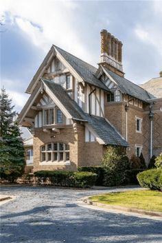 Tudor Style Homes, Tudor Homes, Victorian Homes, Cottage Design, House Design, Yonkers New York, Farmhouse Floor Plans, Old Houses, Vintage Houses