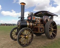 The Evolution of Cars: 1669 to Present - RankRed Antique Tractors, Old Tractors, Antique Cars, House Arch Design, Steam Tractor, Outdoor Fireplace Designs, Engine Types, Steam Engine, Country Farm
