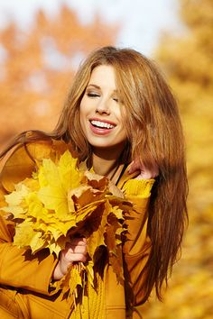 p h o t o g r a p h Beauty Trends 2019 beauty latest trends Fall Pictures, Fall Photos, Autumn Photography, Creative Photography, Fall Portraits, Autumn Park, Outdoor Photos, Woman Standing, Tim Burton