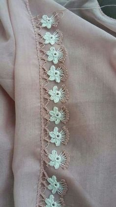 Best Crochet Patterns and Writing Edges In I would like to present you with 125 writing edge 2 Crochet Border Patterns, Crochet Boarders, Crochet Lace Edging, Knitting Patterns, Filet Crochet, Irish Crochet, Knit Crochet, Ribbon Embroidery, Embroidery Designs