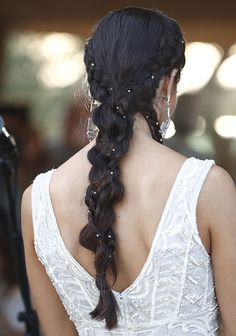 Wife And Girlfriend, Girlfriends, Hairstyles, Bride, Lady, Modern, Beauty, Up Dos, Small Braids