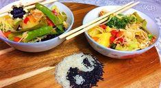 Thai-Curry mit Hähnchen - Rezept von Doris Genusswelt Guacamole, Grains, Rice, Mexican, Ethnic Recipes, Food, Baked Oatmeal, Cute Baking, Curry Recipes