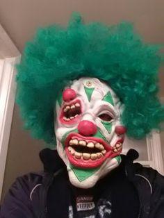 Conjoined clown mask Halloween Clown, Halloween Face Makeup, Clown Mask, Sideshow, Clowns, Pop Culture, Imperial Crown