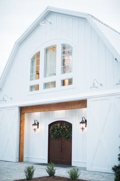 New Wedding Venue in the Upstate! Barn House Plans, Dream House Plans, My Dream Home, Barn Wedding Decorations, Barn Wedding Venue, Farmhouse Wedding Venue, Barn Weddings, Wedding Ideas, Barn Renovation