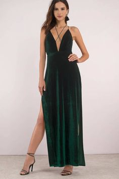 37 Gorgeous Prom Dresses That Only Look Expensive Gala Dresses, White Maxi Dresses, Cheap Prom Dresses, Evening Dresses, Long Dresses, Bridesmaid Dresses, Formal Dresses, Green Gown, Green Maxi