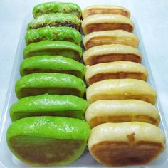 Indonesian Desserts, Traditional Cakes, Hot Dog Buns, Cake Recipes, Bakery, Food And Drink, Health Fitness, Cooking Recipes, Bread