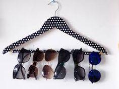 cabides com óculos  #Cabides #DIY #MJ http://mundodemj.blogspot.com.br/2016/06/diy-cabides-na-decoracao.html