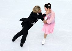 What a beautiful gesture and her look of delight!  Meryl Davis And Charlie White Of U.S. Lead Olympic Ice Dancing After Short Dance (PHOTOS)