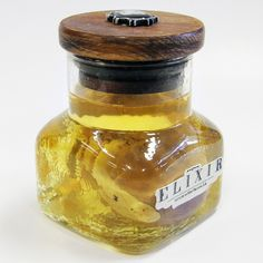 A Sheep Kidney bottled in an alcohol solution.  All specimens were collected ethically, and no animals were killed for the purposes of collection.  All shipped specimens will be shipped dry, in the container shown..  Free Shipping