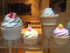 Buttercream icing cones and cupcakes with rock. Oh we do love to be beside the seaside #Brighon