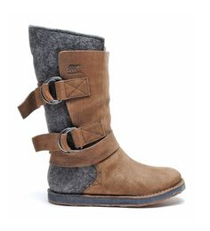 Don't these winter boots look cozy? Love the dual-toned look!