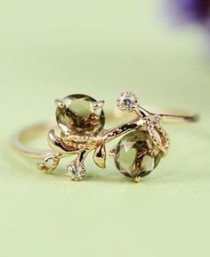 Dainty ring LOVE LOVE LOVE  if you see this I want this!!!!