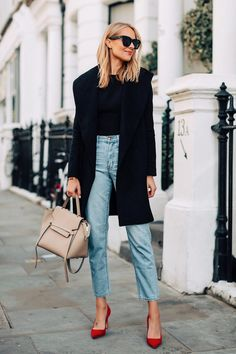 A stylish way to add a pop of color to an outfit today on Fashion Jackson! Red Heels Outfit, Heels Outfits, Outfit Jeans, Mode Outfits, Acid Wash Jeans Outfit, Black Coat Outfit, Black Jumper, Black Blouse, Amy Jackson