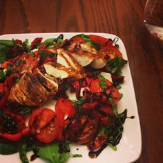I Don't Go to the Gym: Grilled Chicken Caprese Salad #healthy