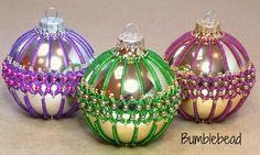 TUTORIAL: Criss Cross Pomander Christmas Bauble Tutorial - A Seed Beadweaving Pattern Tutorial