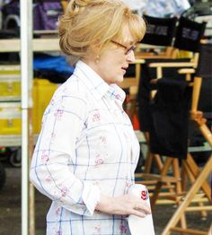 On-Set Pictures - onset007010 - Simply Streep | Image Library