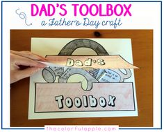 A free gift for your students (or your own kids!) to make for their dads for Father's Day. This craft is so simple and easy to put together, but holds a lot of meaning! {also includes options for grandfathers and uncles} Kids Fathers Day Crafts, Fathers Day Gifts, Crafts For Kids, School Fun, School Teacher, School Ideas, Sunday School, School Stuff, Art Classroom