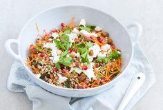 Easy: Marokkaanse boekweitsalade - Uit Pauline's Keuken Veggie Recipes, Salad Recipes, Tasty Dishes, Fried Rice, Cobb Salad, Veggies, Low Carb, Lunch, Dinner