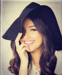 Liza Soberano (Philippines/US) Liza Soberano, Cute Woman, Pretty Woman, Pretty People, Beautiful People, Filipina Beauty, Romantic Wedding Hair, Celebs, Celebrities