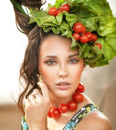 25 Best Foods For Healthy Skin, There's nothing scarier than that one pimple on your cheek that can potentially scar your skin for life! Given the unhealthy diet and lifestyle habits we h, Foods For Healthy Skin, Healthy Fats, Unhealthy Diet, Skin Elasticity, Advertising Photography, Diy Skin Care, Cute Woman, Your Hair, Smoothies