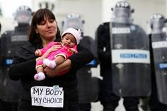 10 Pictures Of Riot Police At A Peaceful Women's Rights Protest In Virginia